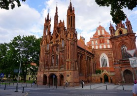 5 things you should know about St. Anne's church in Vilnius