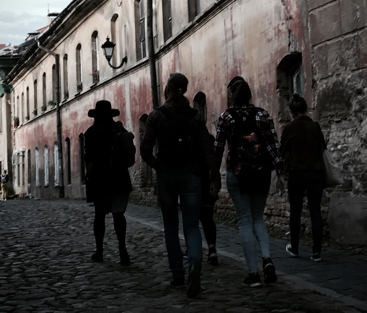https://vilniuswithlocals.com/image/blogs/2020/07/23/vilnius-ghost-tour.jpg