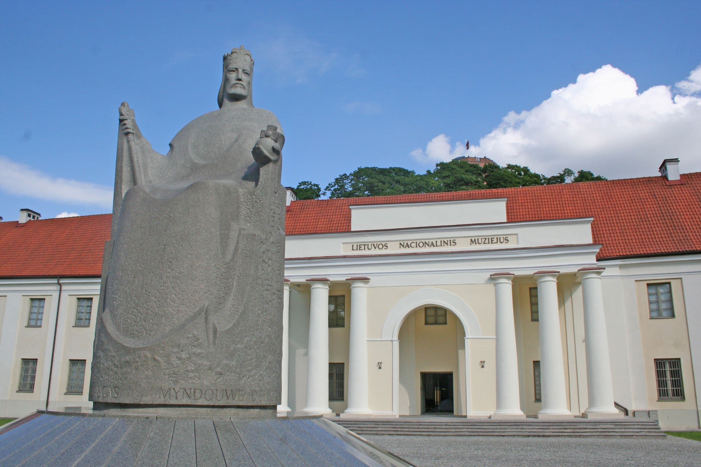 The statue of King Mindaugas in front of National Museum of Lithuania in Vilnius