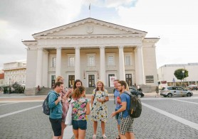 A group on a private Vilnius city tour around Old Town & Uzupis